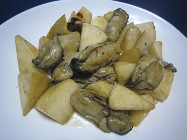 牡蠣と蕪のペペ.jpg