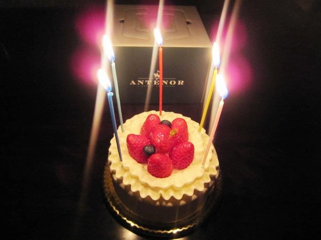 誕生日CAKE2.jpg